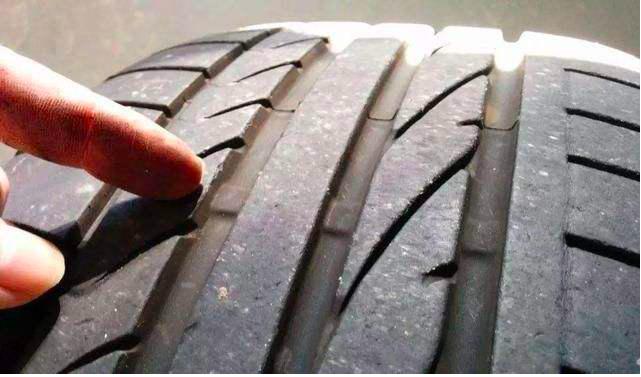 当电动车轮胎出现这些信号时,就要换胎了!
