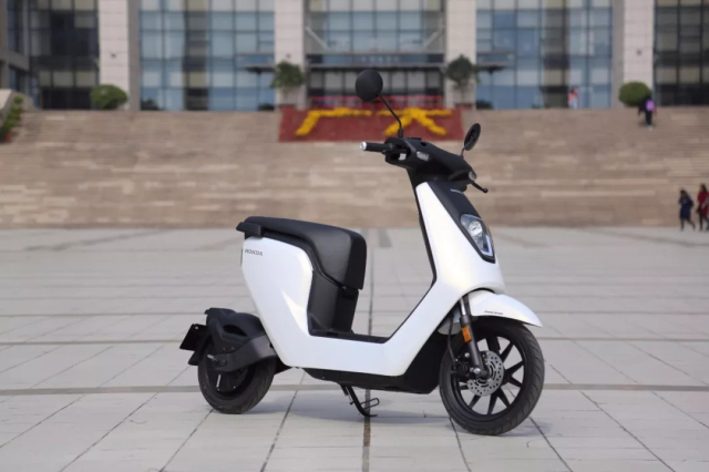 车评:Honda为中国打造的首款电摩,继承了Honda摩托车精髓!